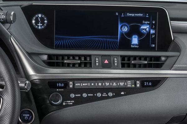 Dettaglio interni Lexus ES